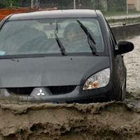 36 ore ininterotte di pioggia, case allagate, auto in panne, a Pachino l'emergenza più grave