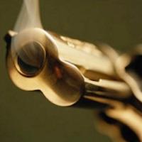 Intimidazione a commerciante 3 colpi di pistola contro la porta