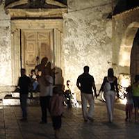 L'antico borgo di pescatori trasformato in una mini-Taormina