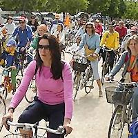 Passeggiata in bicicletta per la legalità