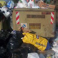 I rifiuti causano i primi disordini