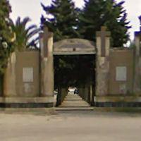 Cimitero in mano ai privati si allarga il fronte del «no»