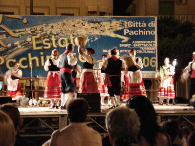 """Gruppo Folk """"Pachinu 'n Ciuri"""""""