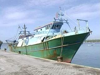 Portopalo di C.P. - Sbarcano 94 clandestini