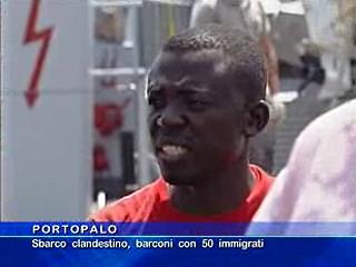 Portopalo - Sbarco clandestino, barconi con 50 immigrati