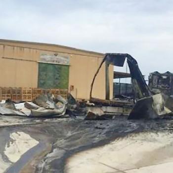Pachino - Camion divorato dalle fiamme. Ferito il conducente.