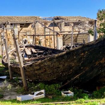 Gli scieri della tonnara di Marzamemi in balia delle intemperie